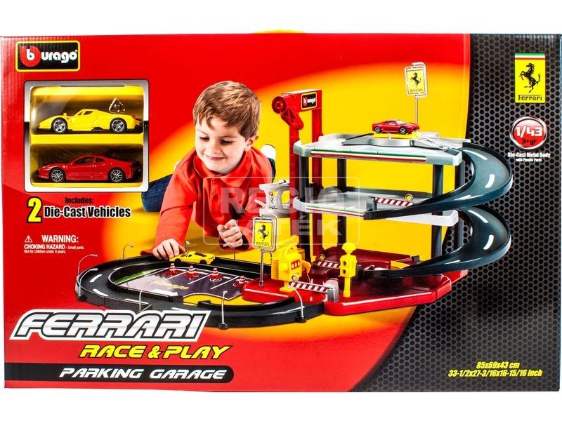 Bburago Ferrari parkolóház +2 db kisautó 1:43