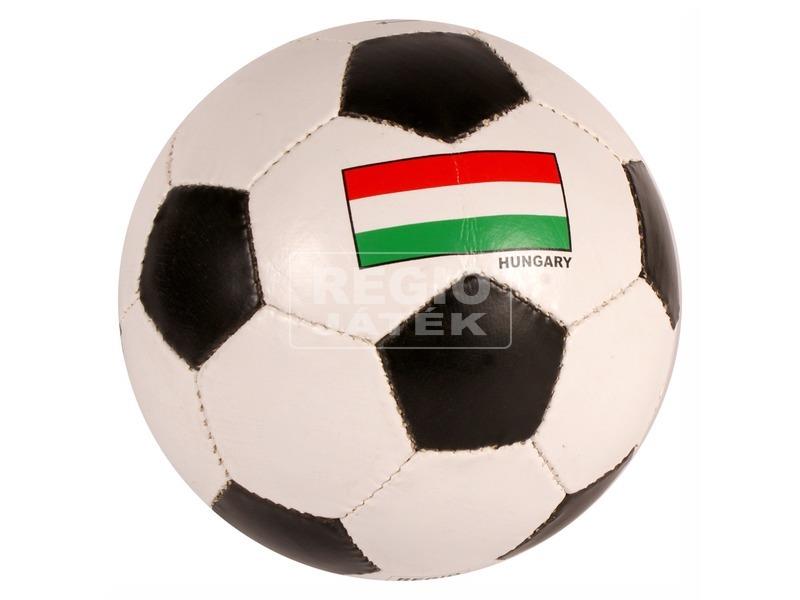 Magyar zászló mintás műbőr focilabda
