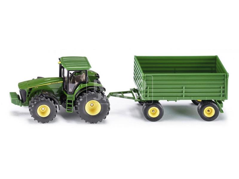 Traktor vontatmánnyal