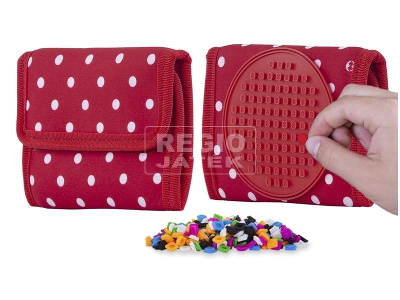 Pixie piros pöttyös pénztárca, 100 pixellel