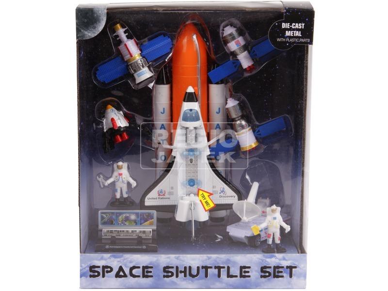 Űrsikló játékkészlet figurákkal