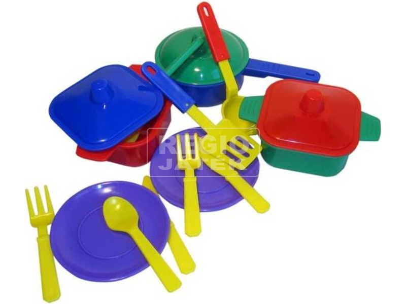 Műanyag lábas készlet eszközökkel - többféle