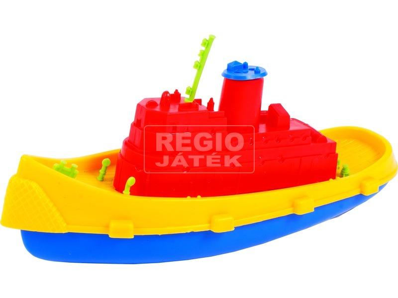 Közepes műanyag hajó