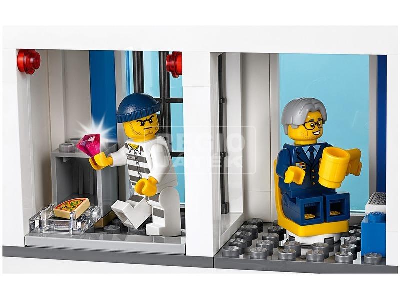 kép nagyítása LEGO® City Police Rendőrkapitányság 60246