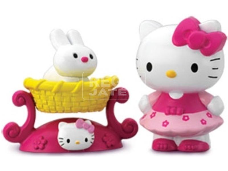 Hello Kitty és kedvence nyuszi