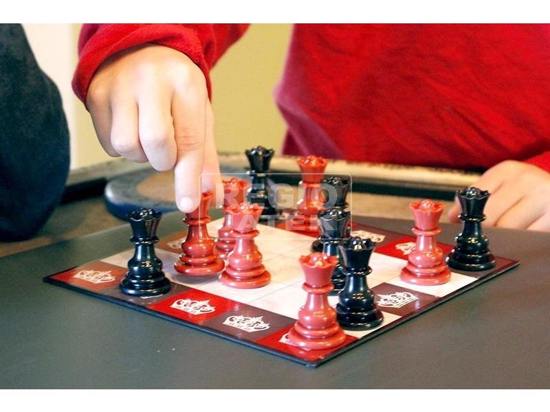 kép nagyítása Thinkfun All Queens Chess társas /Sakk