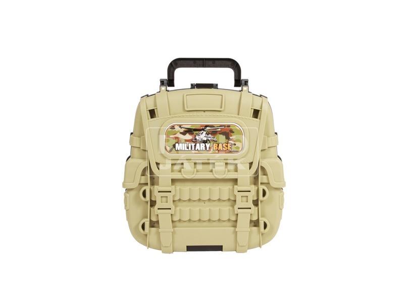 kép nagyítása Parkolóház katonai járművekkel táskában