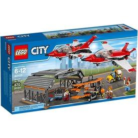 LEGO City Légi bemutató 60103 Itt egy ajánlat található, a bővebben gombra kattintva, további információkat talál a termékről.