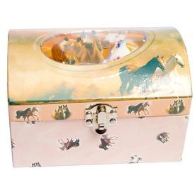 Zenélő doboz, lovas Itt egy ajánlat található, a bővebben gombra kattintva, további információkat talál a termékről.