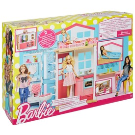 Barbie: emeletes ház bútorokkal