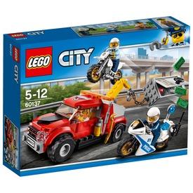 LEGO City Bajba került vontató 60137 Itt egy ajánlat található, a bővebben gombra kattintva, további információkat talál a termékről.