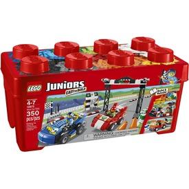 LEGO Juniors Versenyautó 10673 Itt egy ajánlat található, a bővebben gombra kattintva, további információkat talál a termékről.
