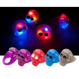 Koponyás világító zselés gyűrű Itt egy ajánlat található, a bővebben gombra kattintva, további információkat talál a termékről.