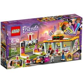 LEGO® Friends Heartlake autósmozi és étterem 41349