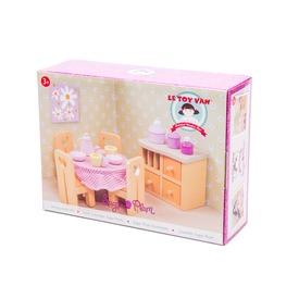 Le Toy Van: Étkező fa bababútor készlet Itt egy ajánlat található, a bővebben gombra kattintva, további információkat talál a termékről.
