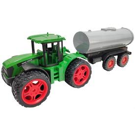 Lendkerekes traktor tartálykocsival