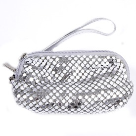 Fémes mobiltartó táska - ezüst Itt egy ajánlat található, a bővebben gombra kattintva, további információkat talál a termékről.